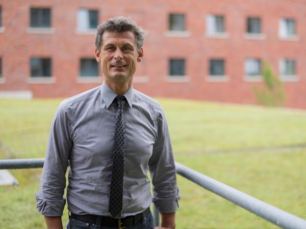 Studiengang Maschinenbau Produktionstechnik und -management - Studiengangleiter Prof. Dr. Jürgen Bauer