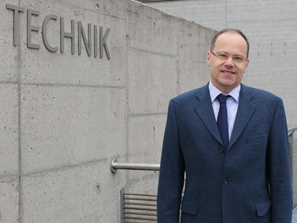 Studiengang Medizintechnik - Studiengangleiter Prof. Dr.-Ing. Andreas Mazura